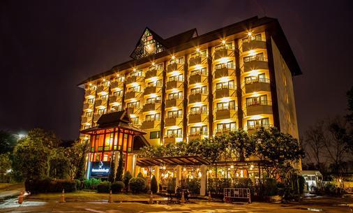 Asia Hotels Group (Poonpetch Chiangmai) - Chiang Mai - Building