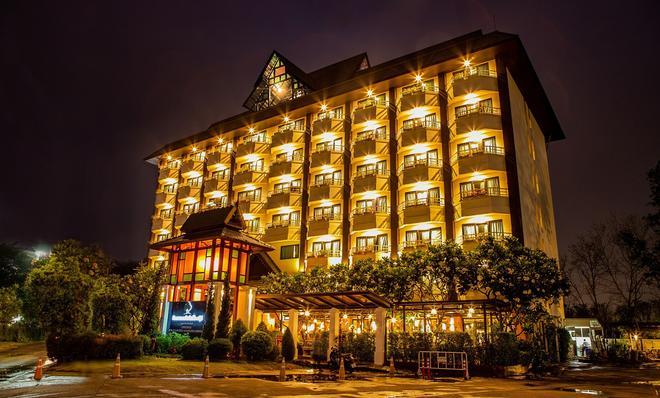 Asia Hotels Group (Poonpetch Chiangmai) - Chiang Mai - Edificio