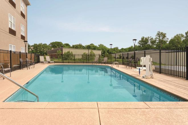 Country Inn & Suites Nashville Airport East - Nashville - Pool