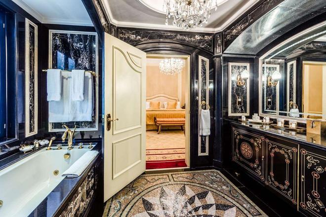 The Bentley London - London - Phòng tắm