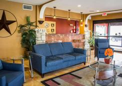 Comfort Suites Near Seaworld - San Antonio - Aula