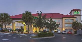La Quinta Inn & Suites by Wyndham Fort Myers Airport - פורט מאיירס