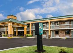 Quality Inn - Franklin - Building