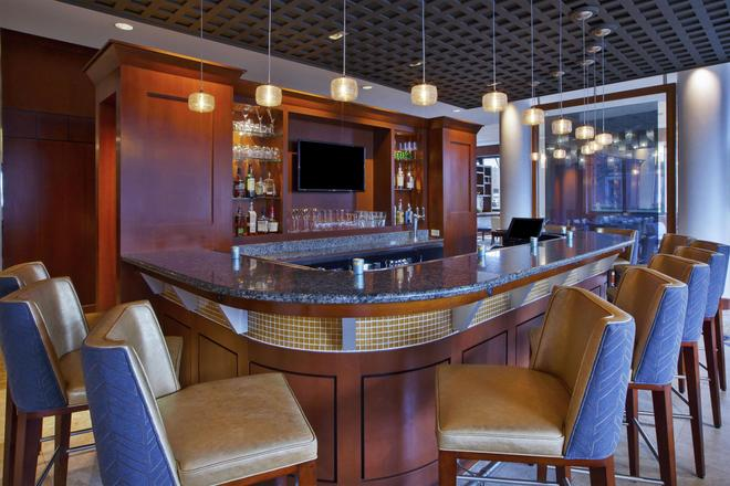 Hilton Garden Inn Portland Downtown Waterfront - Portland - Bar