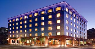 Hilton Garden Inn Portland Downtown Waterfront - Portland - Edificio