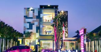 favehotel Kusumanegara - Yogyakarta - Building