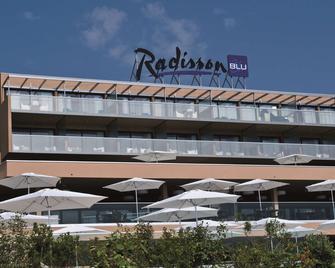 Radisson Blu Resort & Spa, Ajaccio Bay - Аяччо - Building