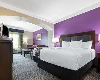 La Quinta Inn & Suites by Wyndham Pearland - Houston South - Pearland - Slaapkamer