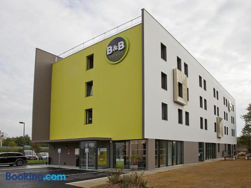 B&b Hotel Nantes Savenay - Savenay - Building