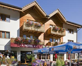 Ferienhotel Massa | Hotel und Restaurant - Naters - Building