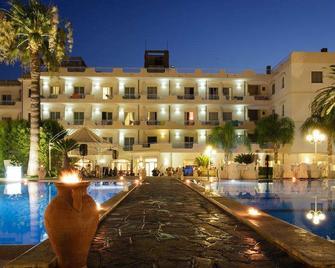 Hotel Club Kennedy - Roccella Ionica - Gebouw