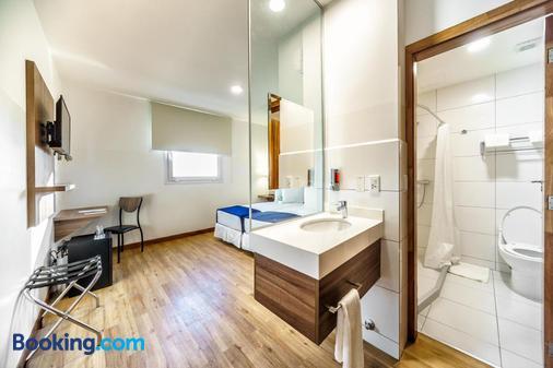Hotel Lp Equipetrol - Santa Cruz de la Sierra - Bathroom