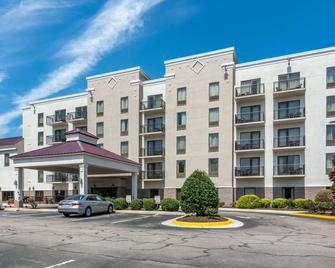 Comfort Suites Southpark - Colonial Heights - Building