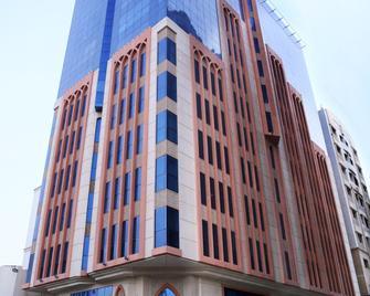 Alhamra Hotel - Sharjah - Building