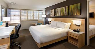 Delta Hotels by Marriott Winnipeg - Виннипег - Спальня