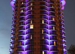 Radisson Cincinnati Riverfront - Covington - Building