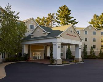 Hampton Inn & Suites North Conway - North Conway - Building