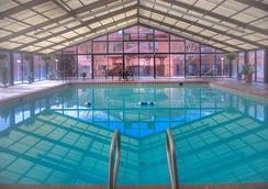 Radisson Hotel Colorado Springs Airport, CO - Colorado Springs - Pool