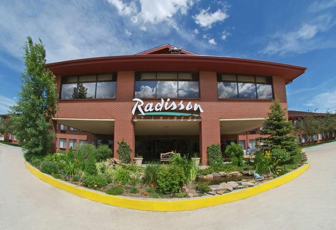Radisson Hotel Colorado Springs Airport, CO - Colorado Springs - Building