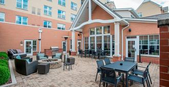 Residence Inn by Marriott Cincinnati North/West Chester - West Chester - Veranda