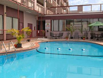 Downtown Inn and Suites - Asheville - Uima-allas