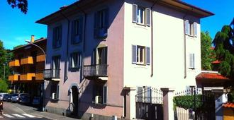 La Gare - Magenta - Building