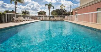 Country Inn & Suites by Radisson, Orlando, FL - Orlando - Pool