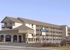 Days Inn by Wyndham Apple Valley Pigeon Forge/Sevierville - Sevierville - Toà nhà