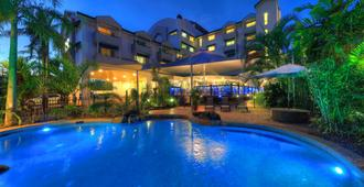 Cairns Sheridan Hotel - Cairns - Piscina