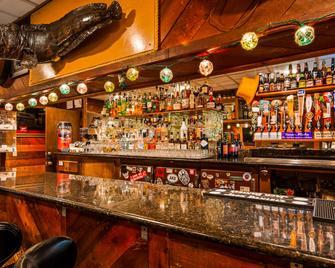 Best Western Bidarka Inn - Homer - Bar