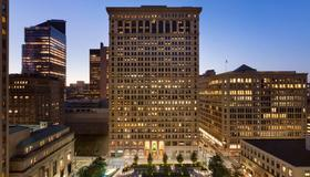 Embassy Suites by Hilton Pittsburgh Downtown - Pittsburgh - Building