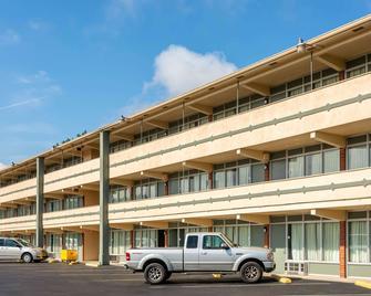 Rodeway Inn Renfro Valley - Mt Vernon - Building