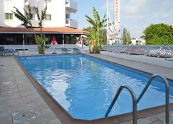 Boronia Hotel Apartments - Larnaca - Pool