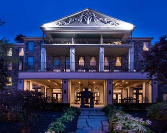 Niagara Crossing Hotel & Spa - Lewiston - Building