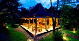 Kalapa Boutique Resort & Yoga - North Kuta - Patio
