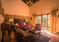 Hotel Sor Juana - Antigua - Bedroom