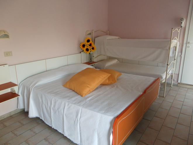 Hotel Nord Est - Riccione - Κρεβατοκάμαρα