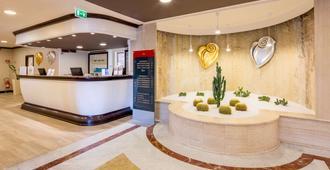 Best Western Plus Tower Hotel Bologna - Bolonia - Recepción