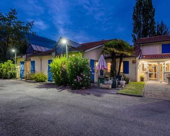 Comfort Hotel Grenoble Meylan - Meylan - Gebouw