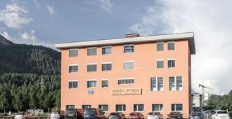 Hostel Pitsch - St. Moritz - Building