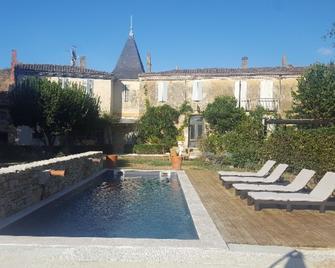 Clos Reaud De La Citadelle - Blaye - Pool