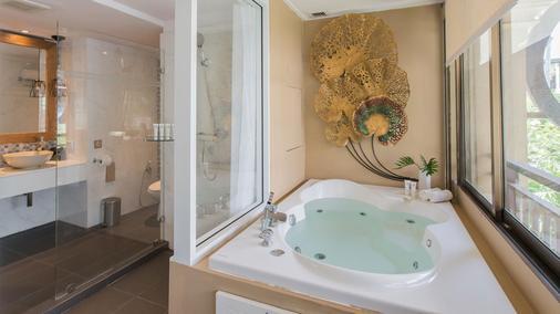 Burasari Phuket Resort & Spa - Patong - Bathroom