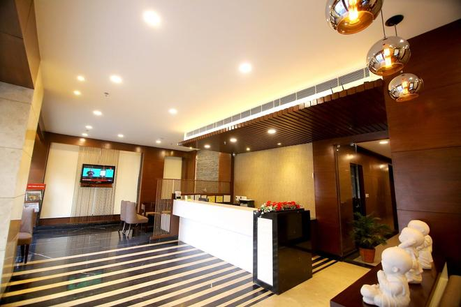 Hotel Chirag Residency - New Delhi - Front desk