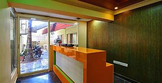 Vinodhara Guest House - Mahabalipuram - Front desk