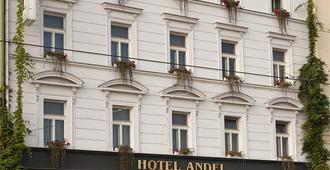 Hotel Andel - Prag - Gebäude