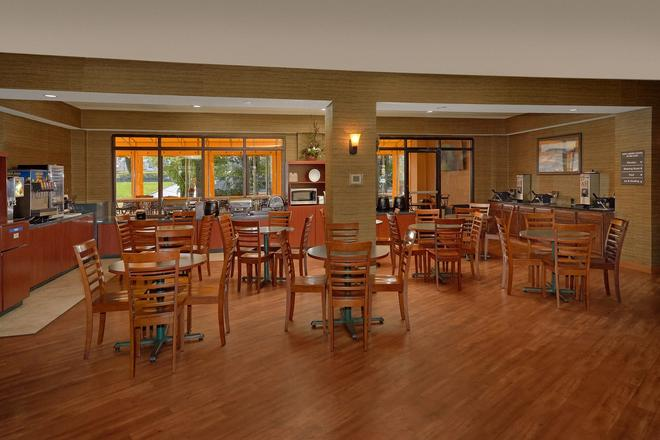 The Inn on the River - Pigeon Forge - Ravintola