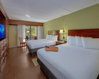 The Inn on the River - Pigeon Forge - Bedroom