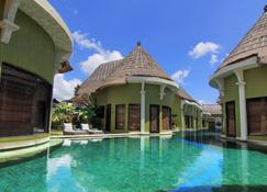 Villa Seminyak Estate & Spa - By Astadala - Denpasar - Piscina