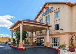 Comfort Inn & Suites Airport - Reno - Building