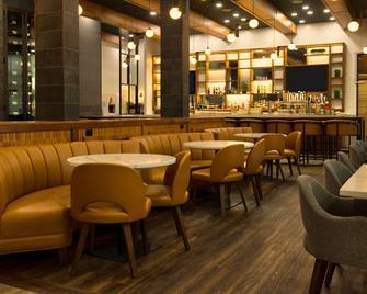 Radisson Hotel & Suites Fort McMurray - Форт МакМаррей - Ресторан